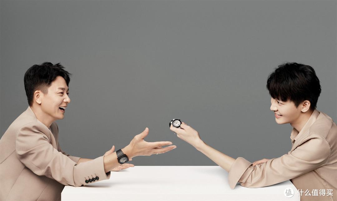 刘奕君、刘怡潼演绎宝格丽Aluminium系列腕表