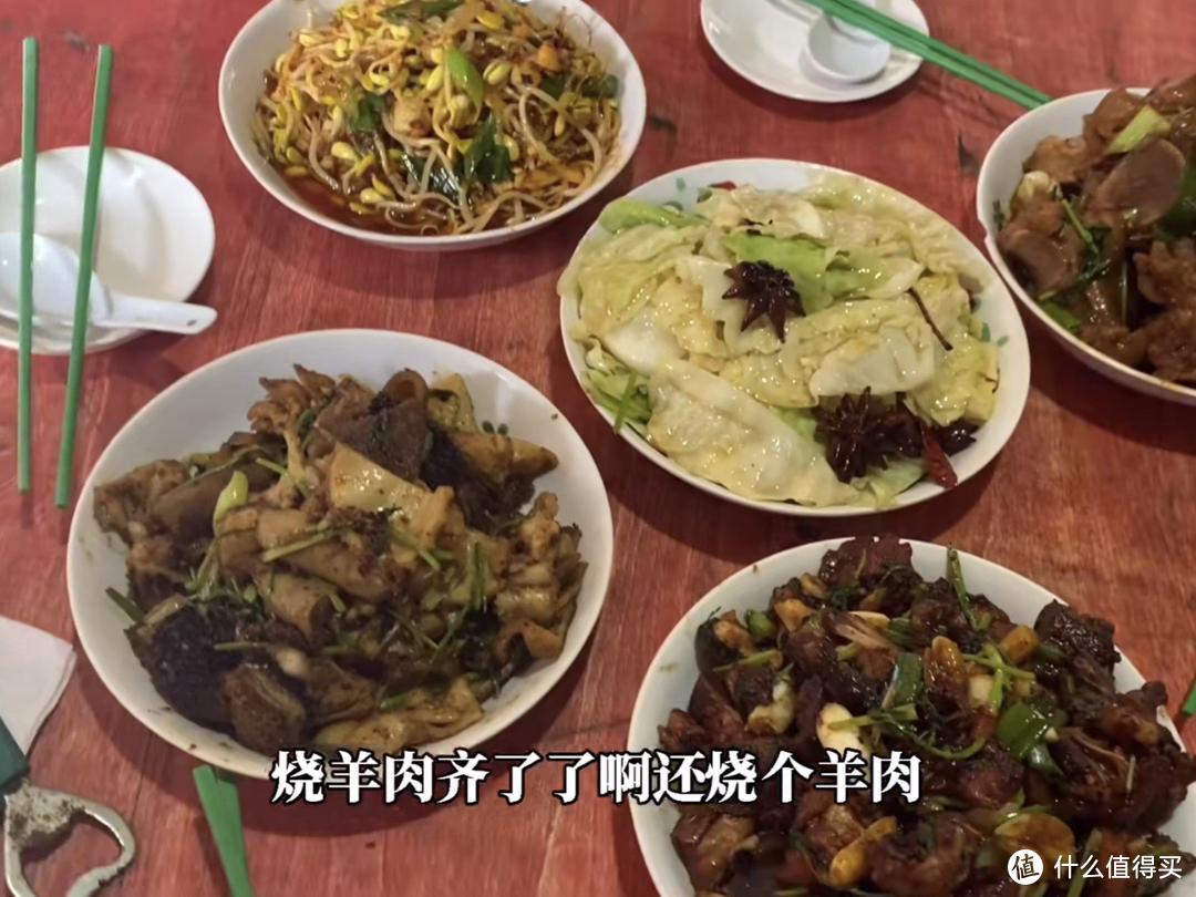 安徽怪老头,做饭因为放鸡精火了,鸡精究竟能不能吃?有什么讲究