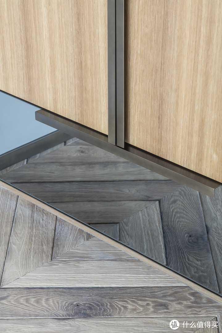 """如果真的很想要木地板的自然木质纹理,那么推荐铺贴""""木纹砖"""""""